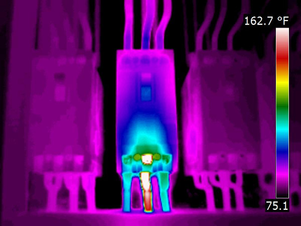 Thermal image of loose connection on breaker